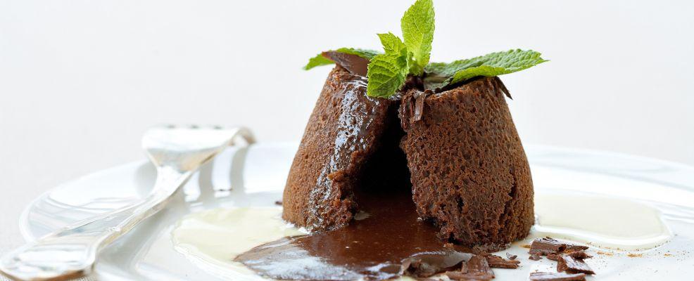 due cuori e un fornello souffle di cioccolato