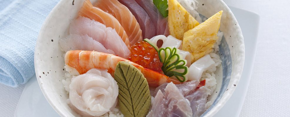 chirashi-sushi-4-986x400