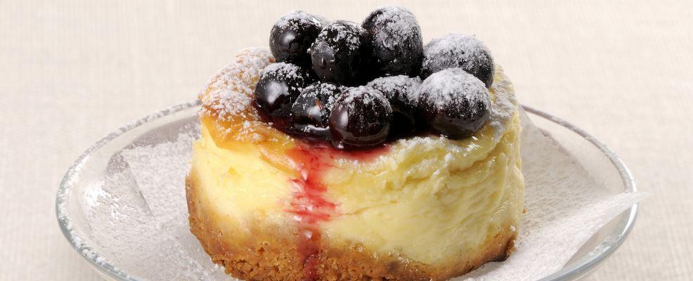 mini-cheesecake-ai-mirtilli-986x400